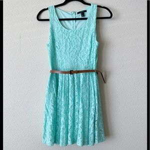 Forever 21 Floral Lace Dress Size S